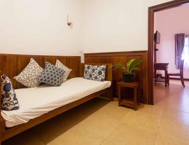 eureka villas guesthouse siem reap deluxe rooms (1)-small